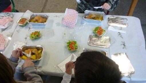 Σχολικά Γεύματα σε μαθητές δημοτικών σχολείων