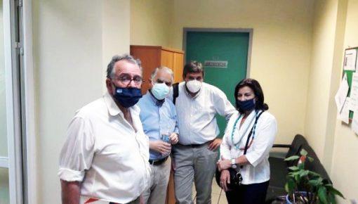 Επίσκεψη στο Κέντρο Υγείας Καλλιθέας πραγματοποίησε αντιπροσωπεία βουλευτών του ΣΥΡΙΖΑ-ΠΣ με επικεφαλής τον τομεάρχη Υγείας Ανδρέα Ξανθό.